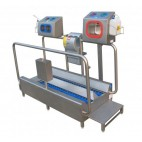Low-heeled shoe washer and hand washer/dryer/disinfection unit